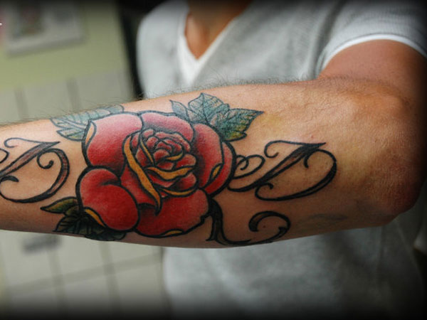 25 Blazing Hot Rose Tattoos For Men Tattoosdesignidea